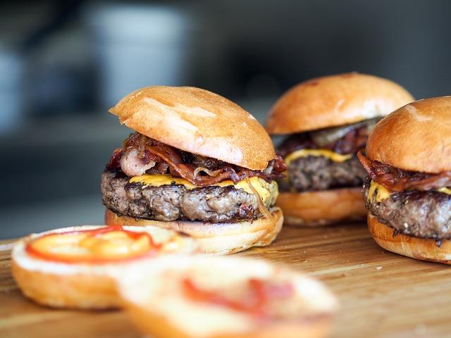 příprava hamburgerů